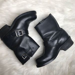 Frye black leather engineer boots sz 6.5